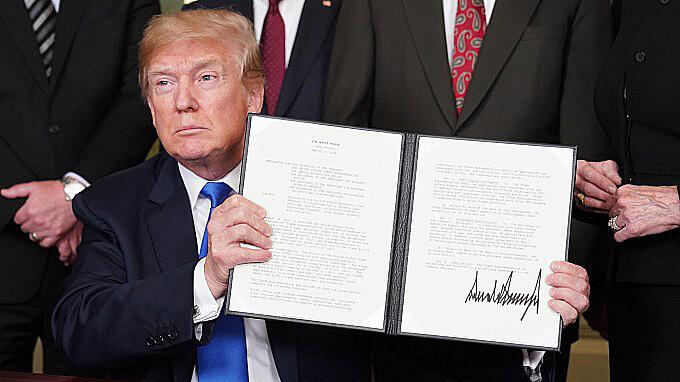 貿易戰開打,美國要完蛋了!